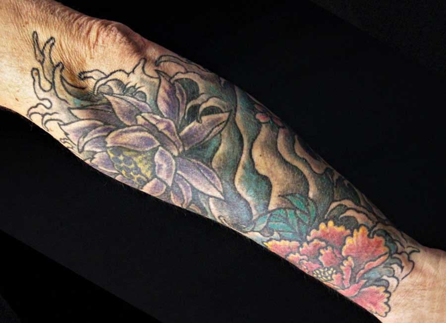eau fleurs couleur asiatique tattoo